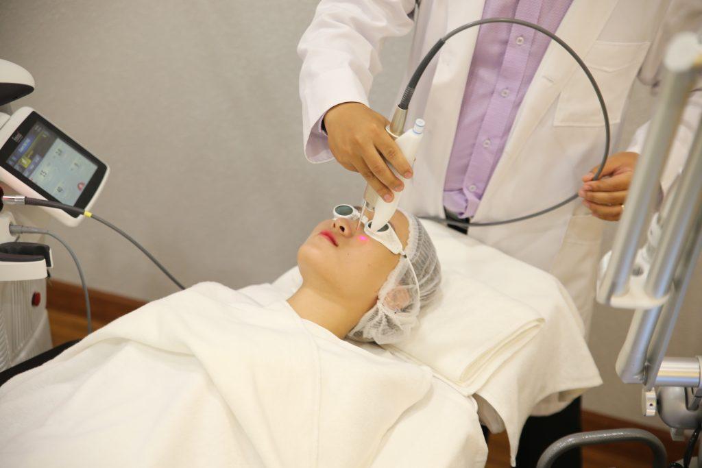 laser-tre-hoa-da-paragon-clinic